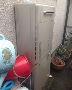 大阪府枚方市N様 RVD-E2405AW2-3 リンナイ製エコジョーズ・ガス給湯暖房機への取替交換工事